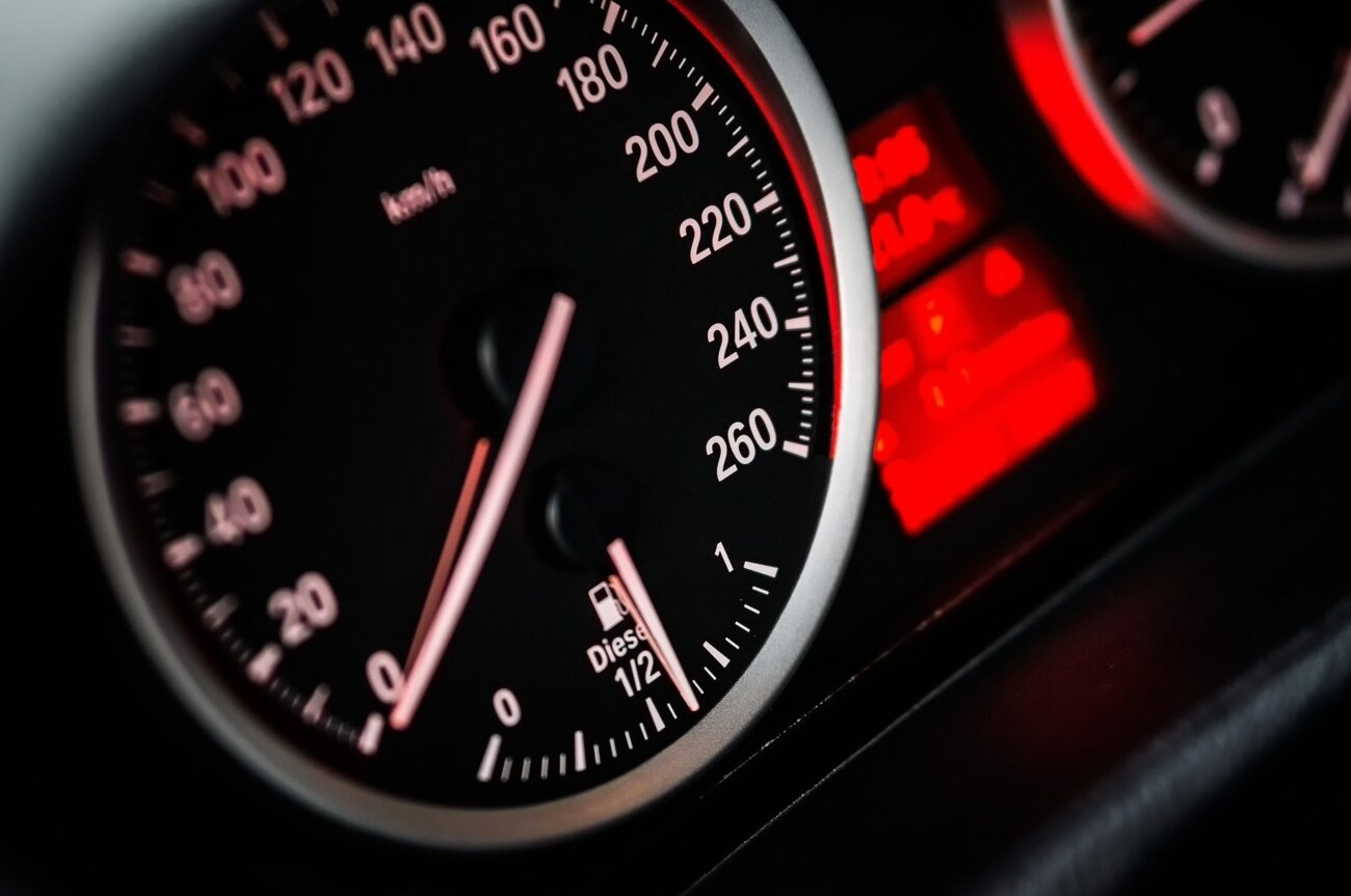 Arek Socha – Speed